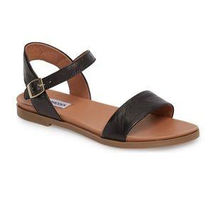 Steve Madden Dina Sandals in Black - 8.5